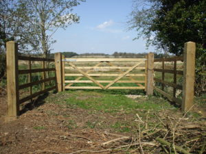 Driftway crossing fencing